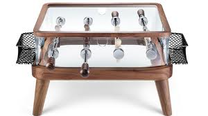 un inconditionnel du baby foot optez pour ce baby table basse. Black Bedroom Furniture Sets. Home Design Ideas