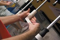 Grip sur poignées de baby foot pour mieux accrocher