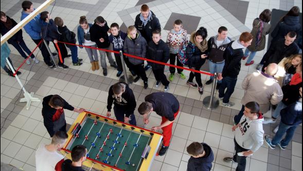 objectif de la compétition de baby foot: modifier les relations ...