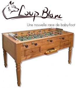 un nouvelle marque de baby foot au style ancien et vintage loup blanc. Black Bedroom Furniture Sets. Home Design Ideas